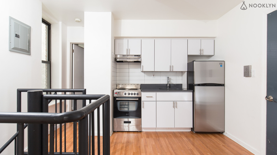 A $2,150.00, 2.5 bed / 1 bathroom apartment in Crown Heights