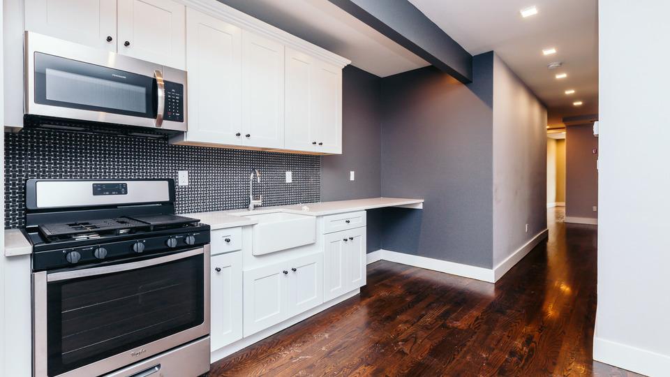 A $3,000.00, 3 bed / 1.5 bathroom apartment in Ridgewood