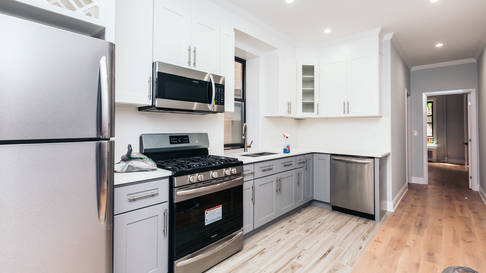 A $2,700.00, 2 bed / 2 bathroom apartment in Bed-Stuy