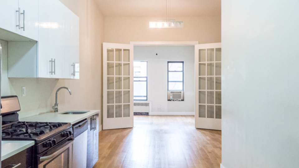 A $2,600.00, 2 bed / 1 bathroom apartment in Bushwick