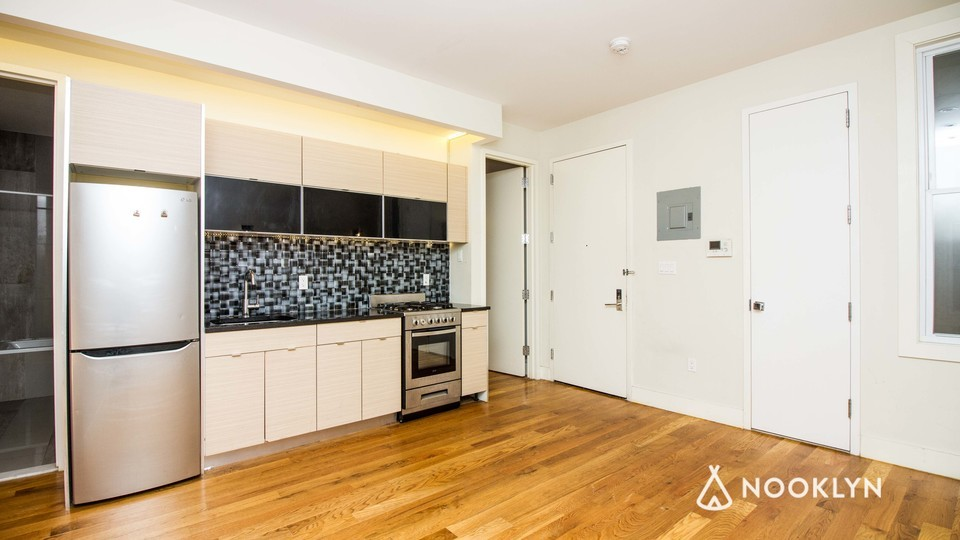 A $2,660.00, 4 bed / 1.5 bathroom apartment in Bed-Stuy