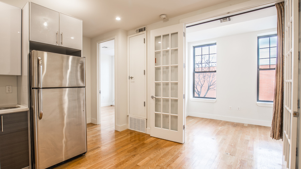 A $2,250.00, 3 bed / 1 bathroom apartment in Bed-Stuy