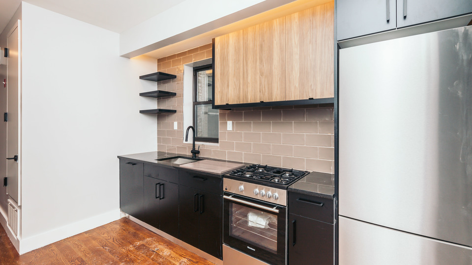 A $3,500.00, 3 bed / 3 bathroom apartment in Ridgewood