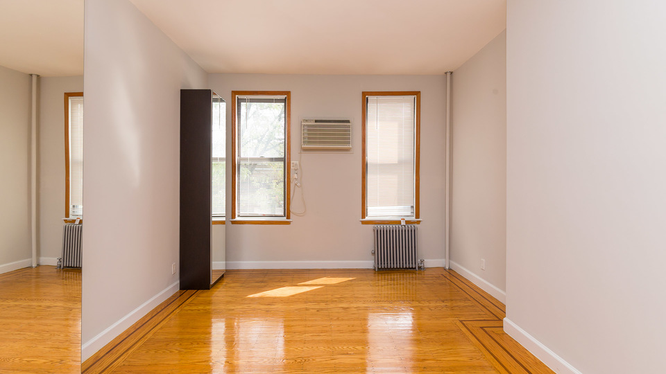 A $2,150.00, 1.5 bed / 1 bathroom apartment in Greenpoint