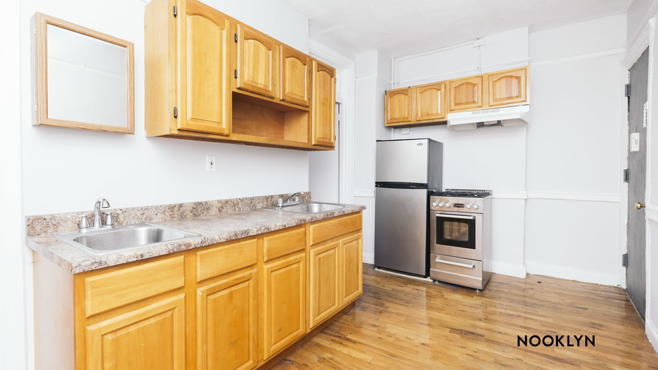 A $2,295.00, 2 bed / 1 bathroom apartment in Williamsburg