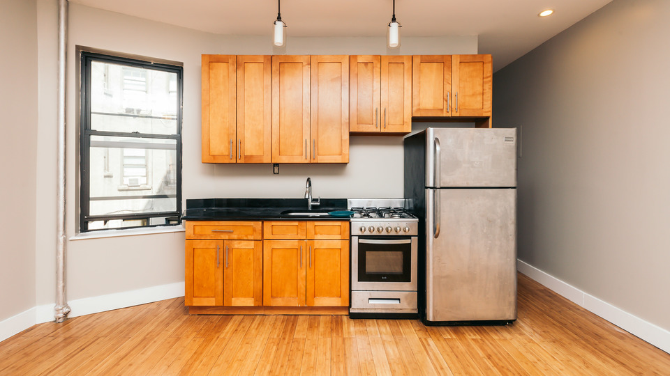 A $3,400.00, 4 bed / 1 bathroom apartment in Crown Heights