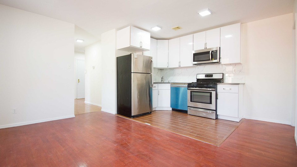 A $2,167.00, 4 bed / 1 bathroom apartment in Bed-Stuy