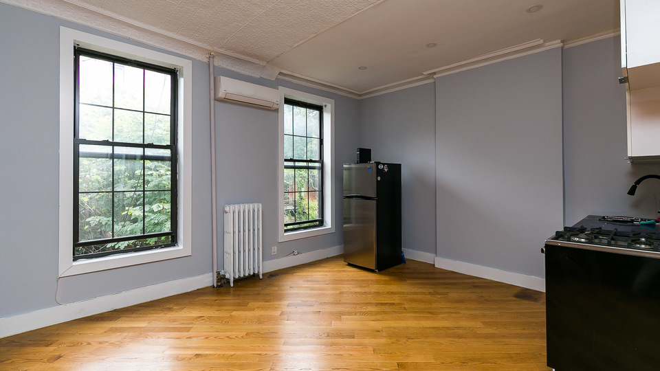 A $2,200.00, 0 bed / 1 bathroom apartment in Clinton Hill