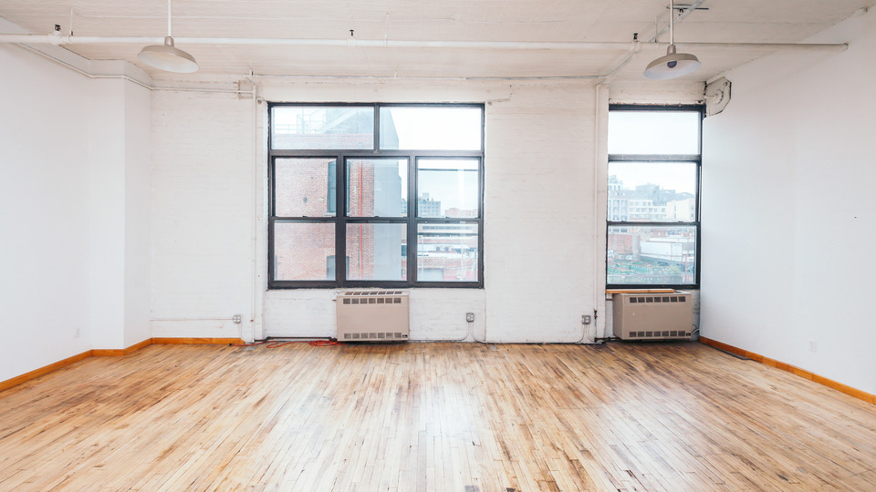 A $3,400.00, 3 bed / 1 bathroom apartment in Bushwick