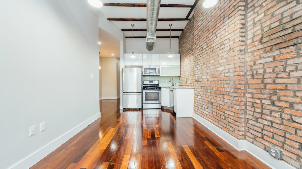 A $2,699.00, 3 bed / 2 bathroom apartment in Bed-Stuy