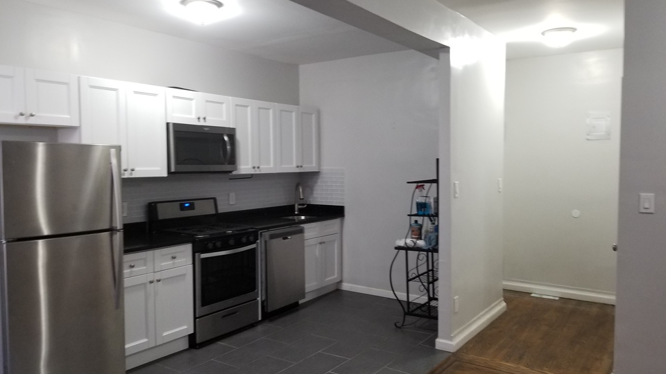 A $2,800.00, 2 bed / 1 bathroom apartment in PLG: Prospect Lefferts Gardens