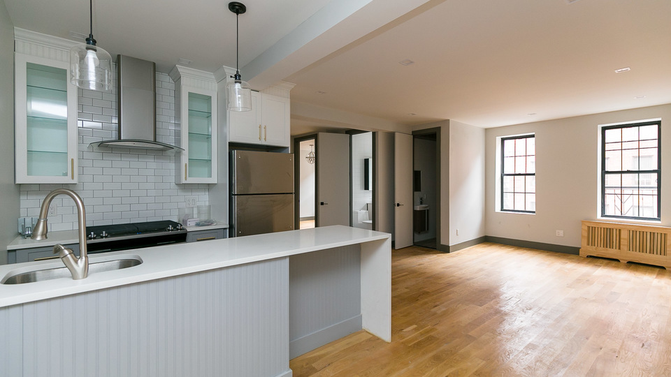 A $3,375.00, 3 bed / 1.5 bathroom apartment in PLG: Prospect Lefferts Gardens
