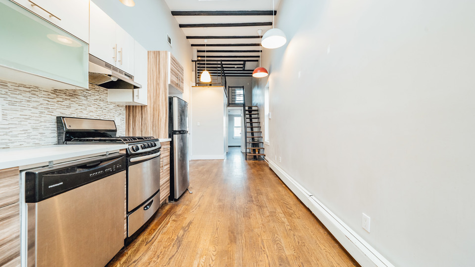 A $3,000.00, 3.5 bed / 1.5 bathroom apartment in Bushwick