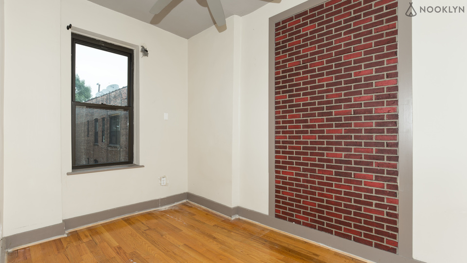A $700.00, 0 bed / 0 bathroom apartment in Crown Heights