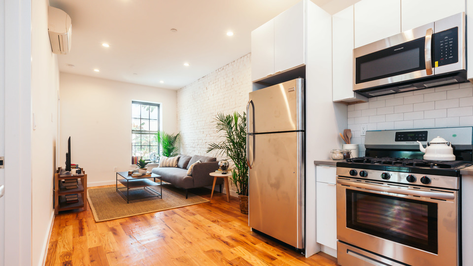A $3,300.00, 3 bed / 2 bathroom apartment in Ridgewood