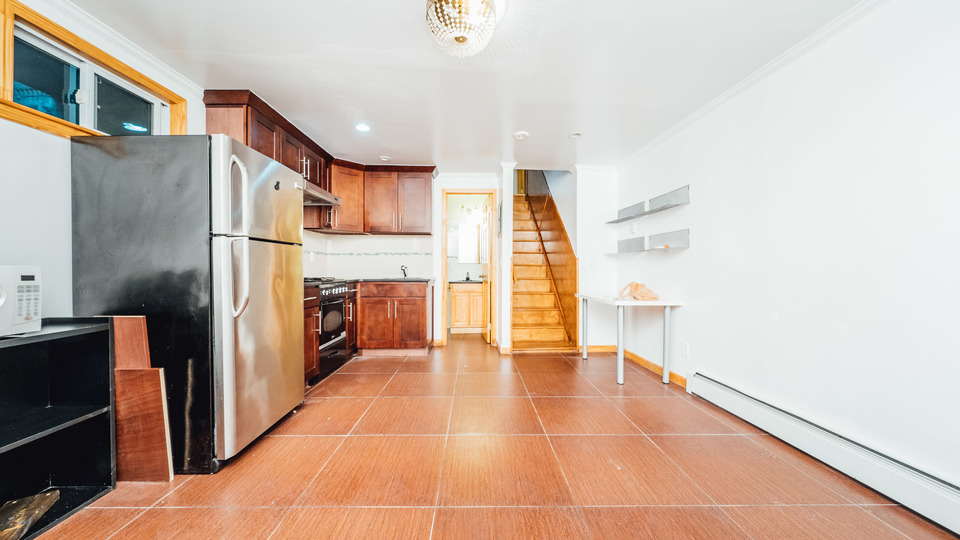 A $2,750.00, 3 bed / 2 bathroom apartment in Williamsburg