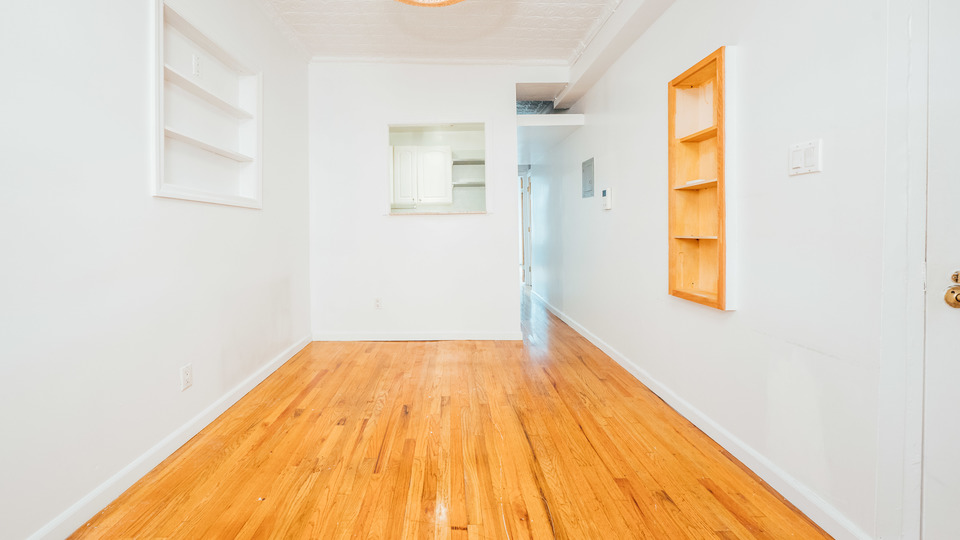 A $2,450.00, 2 bed / 2 bathroom apartment in Williamsburg