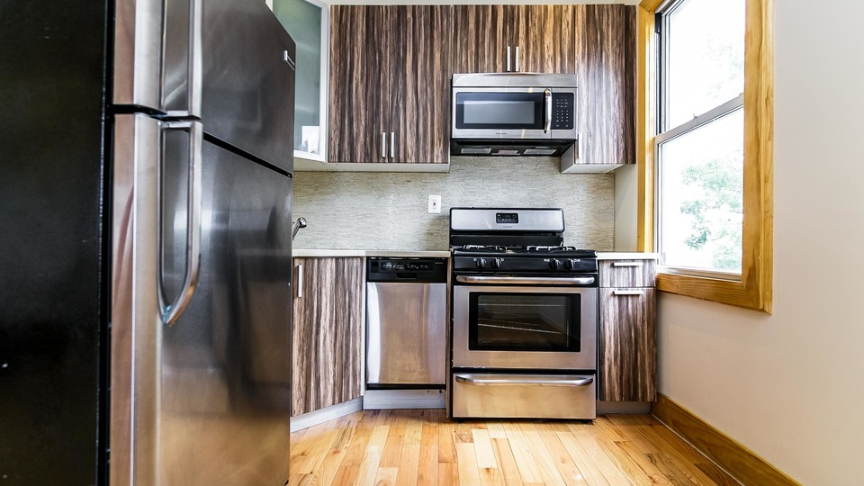 A $2,300.00, 2 bed / 1 bathroom apartment in Greenpoint