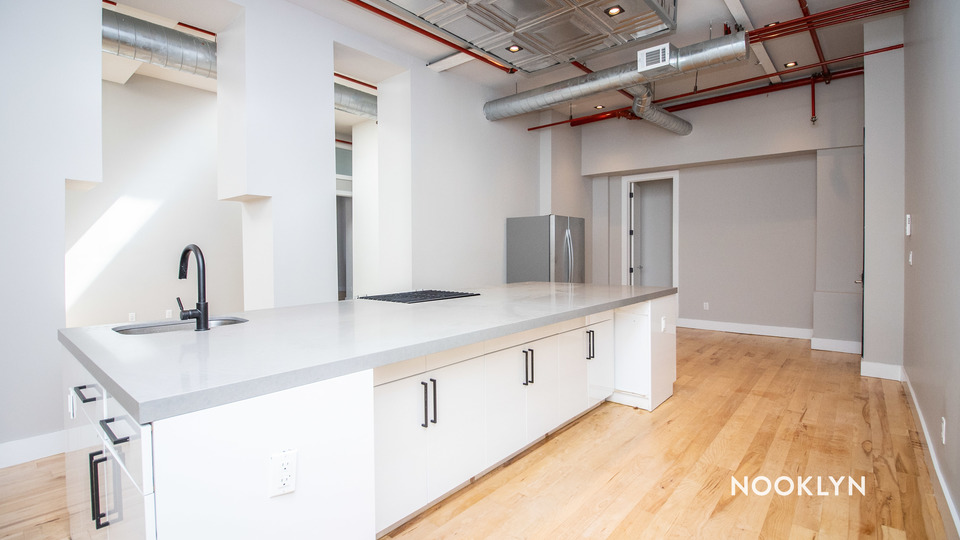 A $6,200.00, 6 bed / 4 bathroom apartment in Williamsburg