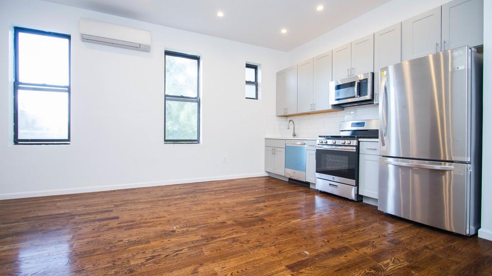 A $2,500.00, 2 bed / 1 bathroom apartment in Ridgewood