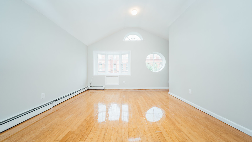 A $2,492.00, 3 bed / 2 bathroom apartment in Stuyvesant Heights