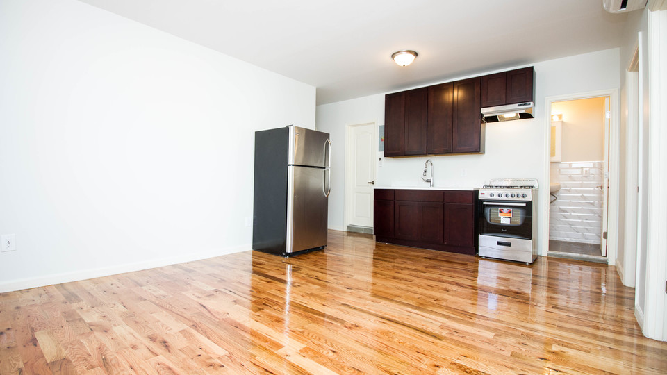 A $2,699.00, 3 bed / 1.5 bathroom apartment in Bushwick