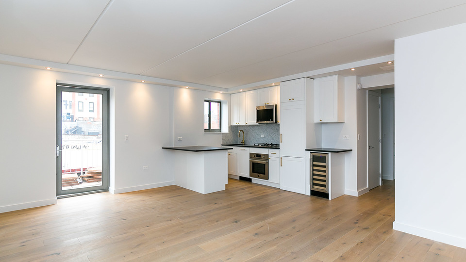 A $5,625.00, 1 bed / 1 bathroom apartment in Lower East Side