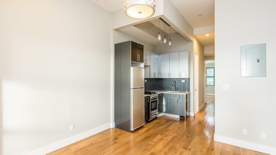 A $2,850.00, 3 bed / 1.5 bathroom apartment in Bushwick