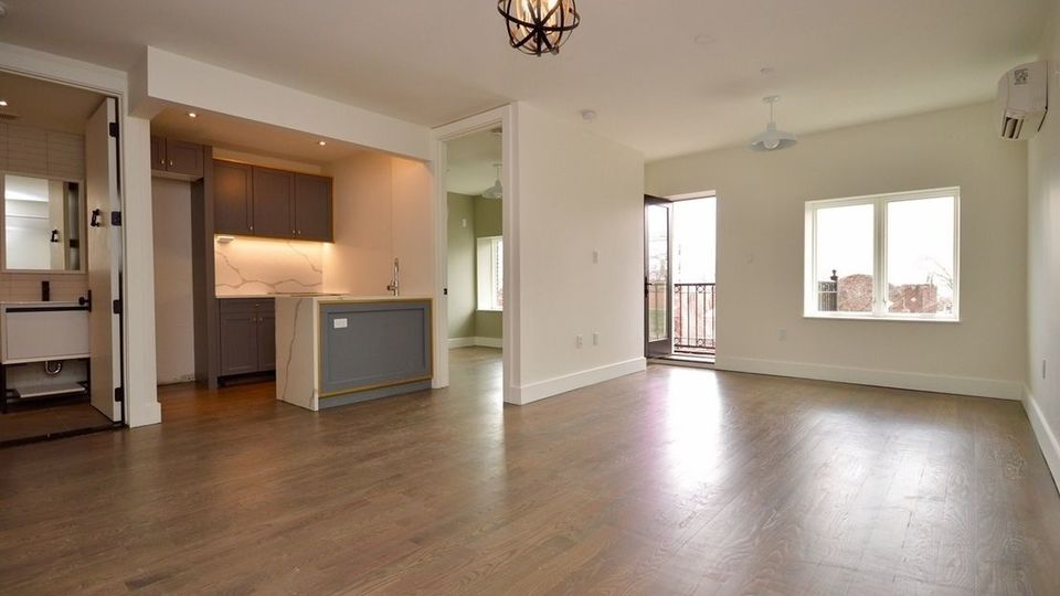 A $3,000.00, 2 bed / 1 bathroom apartment in Crown Heights
