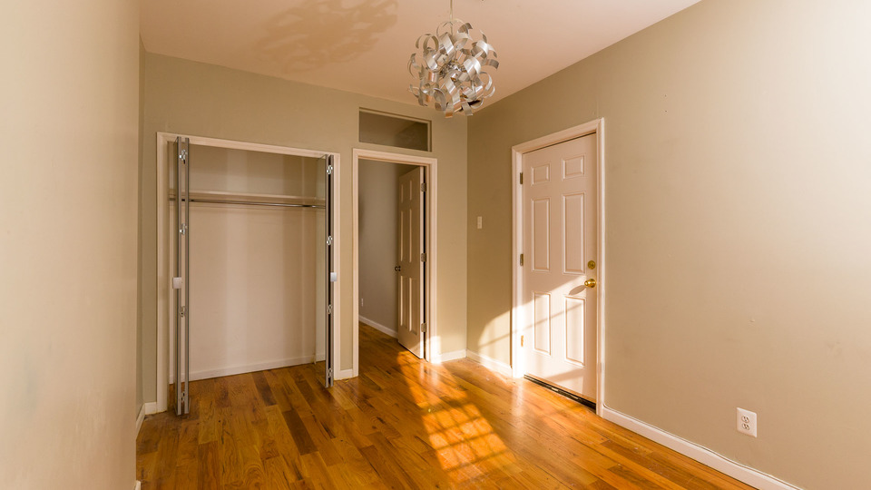 A $2,000.00, 2.5 bed / 1 bathroom apartment in Bushwick