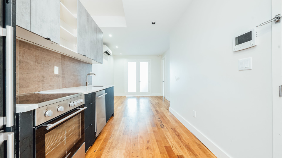A $2,292.00, 2 bed / 1 bathroom apartment in Bed-Stuy