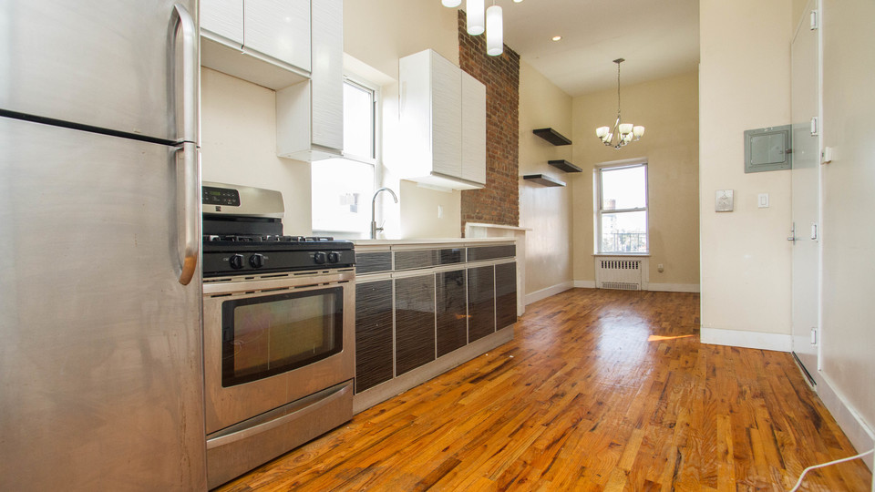 A $2,850.00, 3 bed / 1 bathroom apartment in Crown Heights