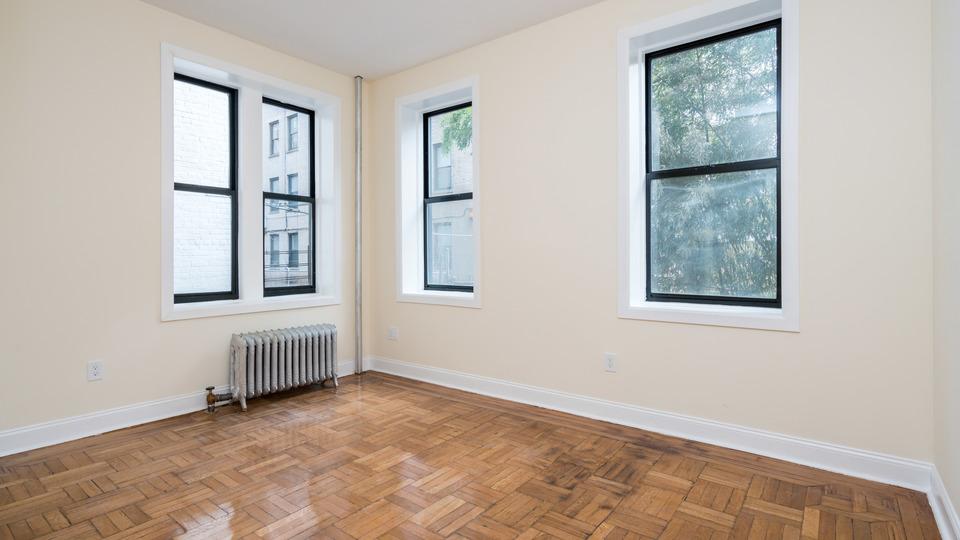 A $2,525.00, 3 bed / 1 bathroom apartment in Flatbush