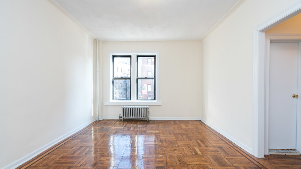 A $2,400.00, 2 bed / 1 bathroom apartment in Flatbush