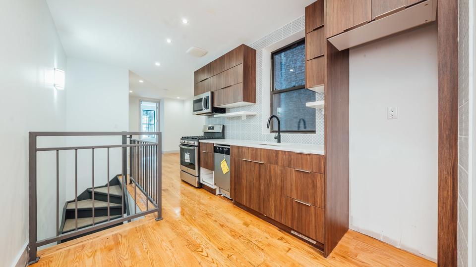 A $3,500.00, 4 bed / 1.5 bathroom apartment in Bushwick