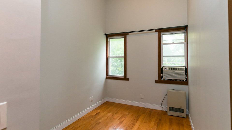 A $1,275.00, 1 bed / 1 bathroom apartment in Greenpoint