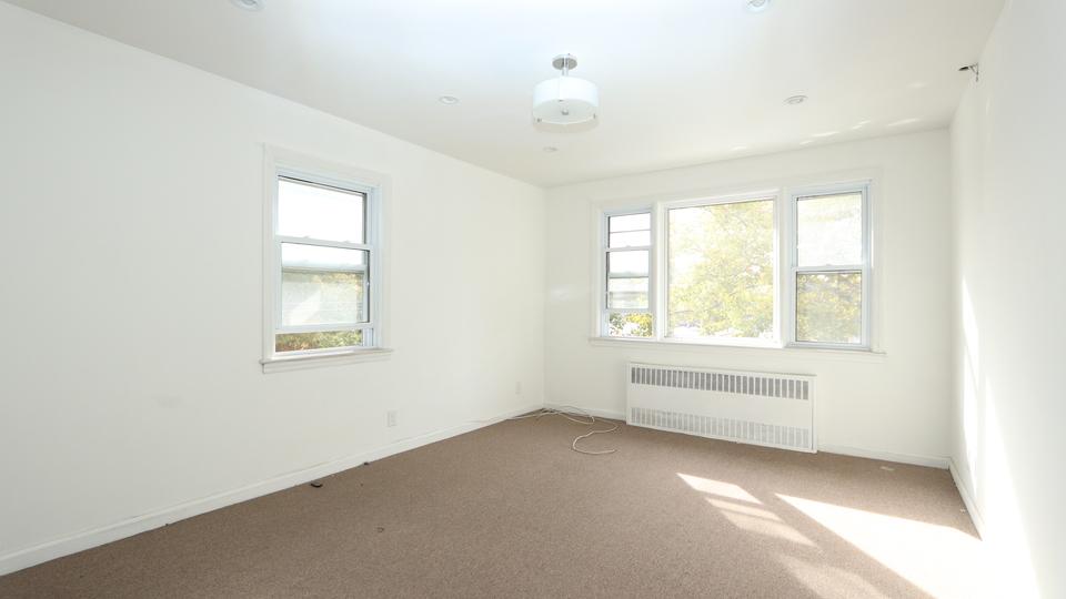 A $2,650.00, 4 bed / 1 bathroom apartment in Flatlands