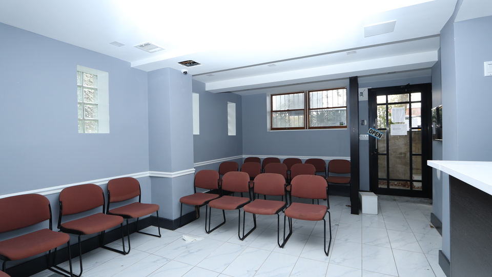 A $5,000.00, 7 bed / 1 bathroom apartment in Flatlands