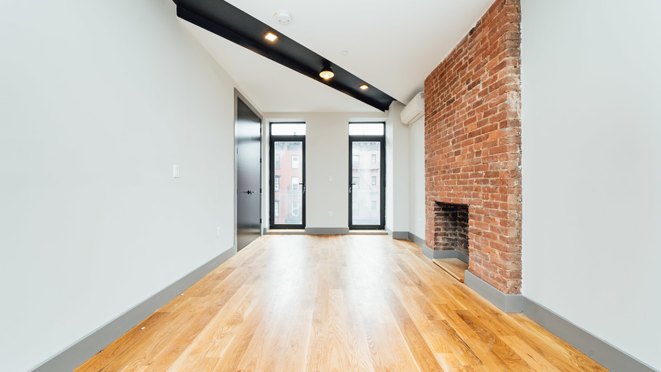 A $2,450.00, 0 bed / 1 bathroom apartment in Williamsburg
