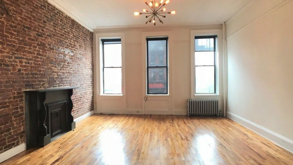 A $6,995.00, 4 bed / 1 bathroom apartment in Chelsea