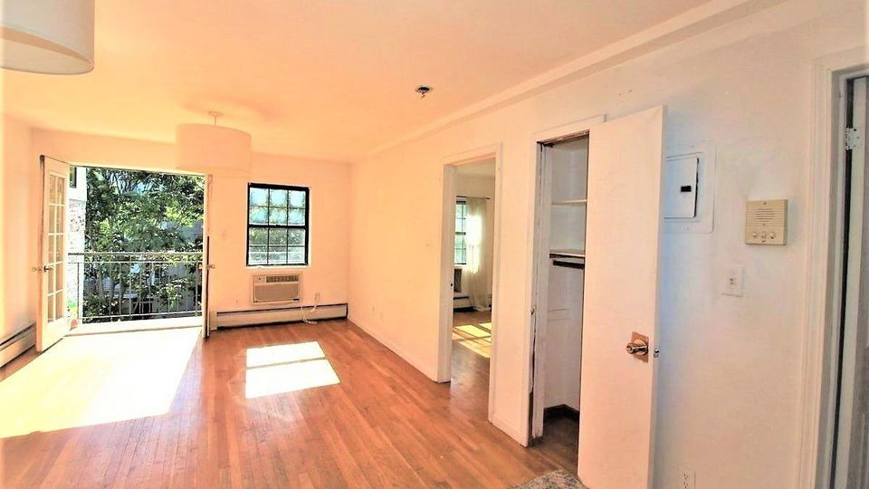 A $2,200.00, 1 bed / 1 bathroom apartment in South Slope