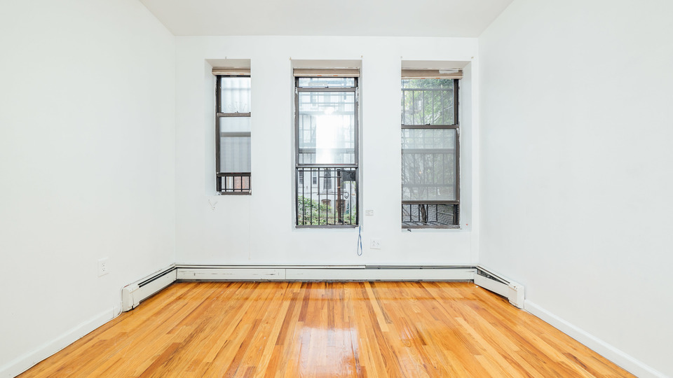 A $1,695.00, 0 bed / 1 bathroom apartment in Bed-Stuy
