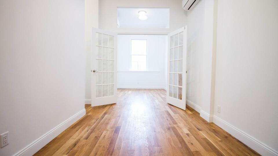 A $2,382.00, 2.5 bed / 1 bathroom apartment in Bushwick