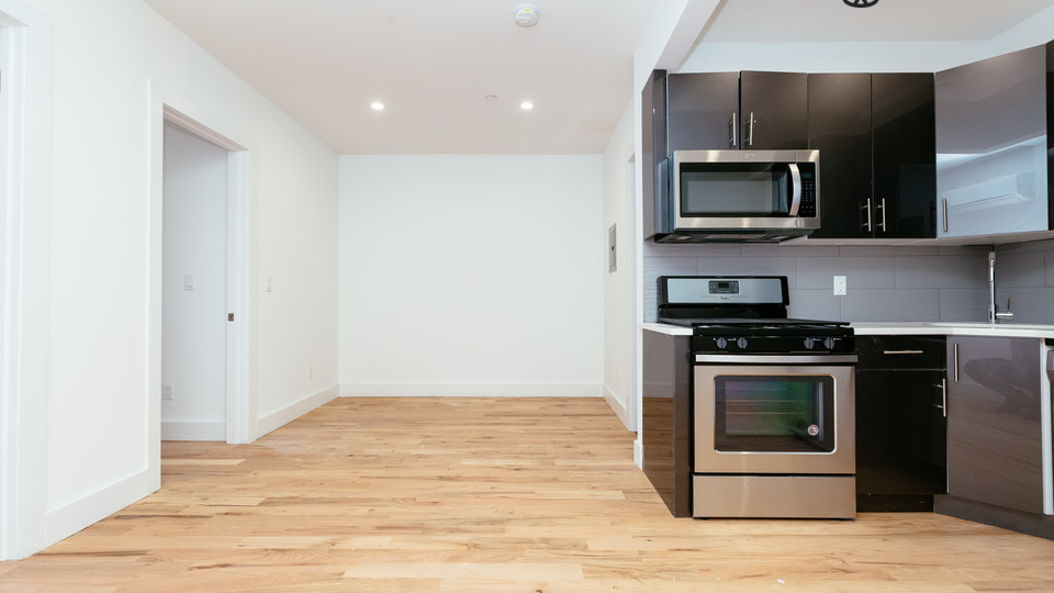 A $2,016.00, 2 bed / 1 bathroom apartment in Flatbush