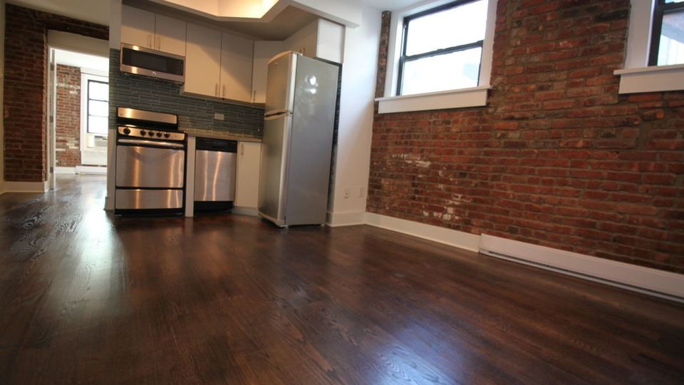 A $2,595.00, 1 bed / 1 bathroom apartment in East Village
