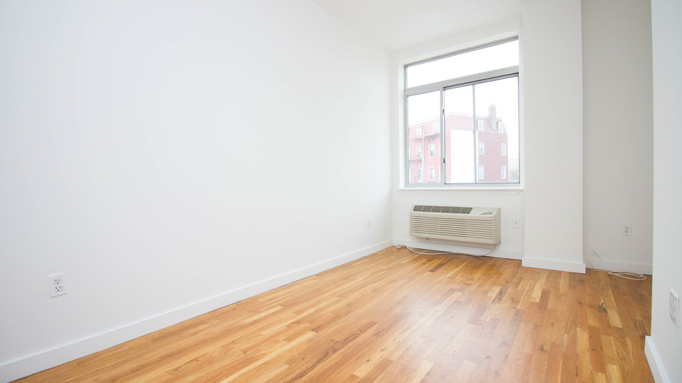 A $2,474.00, 3 bed / 1 bathroom apartment in Bushwick