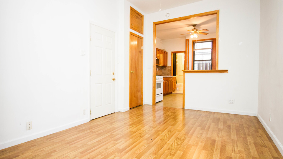 A $2,000.00, 2 bed / 1 bathroom apartment in Ridgewood