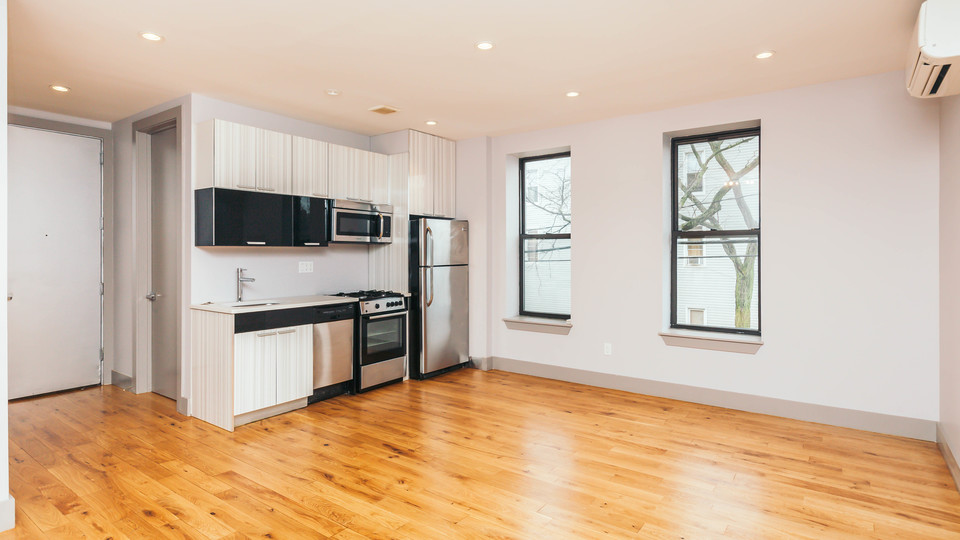 A $3,250.00, 4 bed / 2 bathroom apartment in Ridgewood