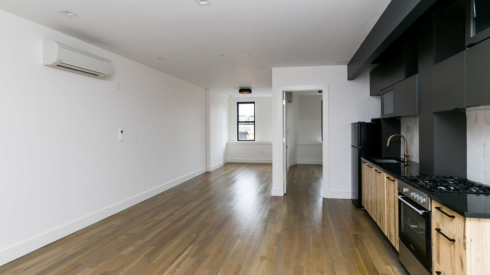 A $3,500.00, 3.5 bed / 2 bathroom apartment in Crown Heights