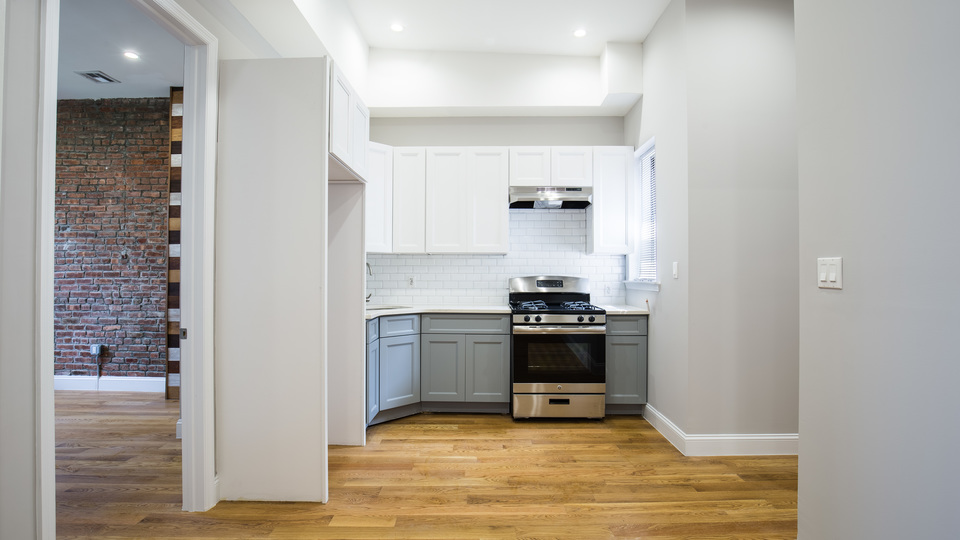 A $2,630.00, 3 bed / 1 bathroom apartment in Bushwick